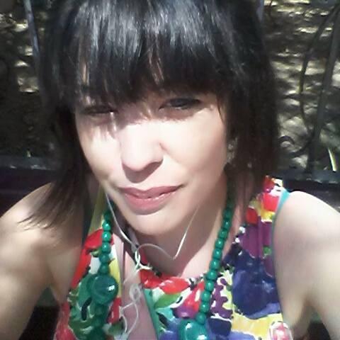 Katey Kinkade lives in Australia